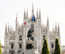 Milan cathedral (Duomo di Milano) with statue of Vittorio Emanuele II, Italy Stock Photos