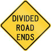 Road sign used in the US state of Texas - Divided road ends Stock Illustration