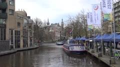 4k, Tradicional dutch houses near a canal of center in Amsterdam, Holland-Dan Stock Footage