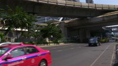 Sunny day traffic street metro line crossroad down to top 4k bangkok thailand Stock Footage