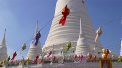 Sunny day decoration wat arun white temple 4k bangkok thailand Stock Footage
