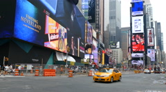 Traffic in New York City, busy street in Times Square, Manhattan, NY Arkistovideo