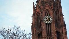Minute changes Frankfurt Cathedral dom clock, Frankfurt am Main, Germany Stock Footage