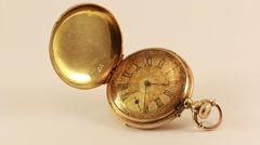 Vintage Pocket Watch 18K Gold  Arkistovideo