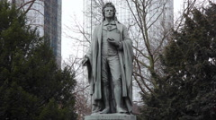 Friedrich Schiller Monument, Taununsanlage Park, long shot, Frankfurt Main Stock Footage