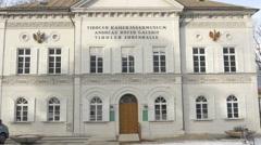 Tilt view of Kaiserjägermuseum in Innsbruck Stock Footage