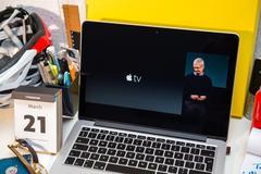 PARIS, FRANCE - MARCH 21, 2016: Apple Computers website on MacBook Pro Retina Stock Photos
