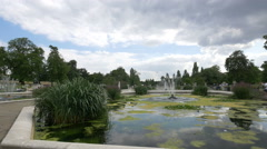 Fountain with spirogyra plant in the Italian Gardens, London Stock Footage
