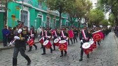 Bolivian Marching Band - Banda de viento boliviana desfilando Stock Footage