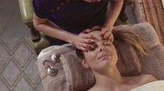 Head massage Stock Footage