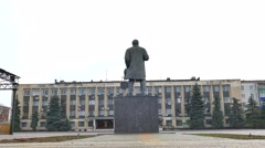 Lenin monument old view of the city administration building Stock Footage