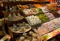 Traditional turkish Sweets and tea sets at the grand bazaar, Istanbul, Turkey Stock Photos