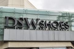 DSW Shoes logo sign exterior in Los Angeles Hollywood boulevard Kuvituskuvat