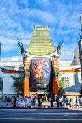Hollywood boulevard View Grauman's Chinese Theater on Hollywood Boulevard Kuvituskuvat