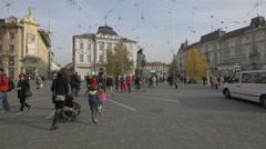 Lots of people walking in Preseren Square in Ljubljana Stock Footage