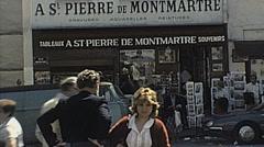 Paris 1980: visitors in Montmartre Stock Footage