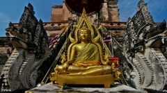 Buddha outside Wat Chedi Luang Worawihan Stock Footage