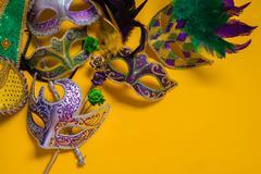 Mardi Gras Mask on yellow Background Kuvituskuvat