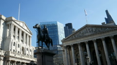 Zoom into the Bank of England and Wellington. Stock Footage
