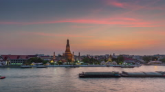 Sunset bangkok wat arun river temple panorama 4k time lapse thailand Stock Footage