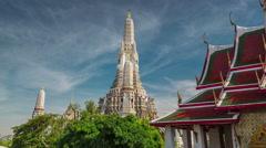 Bangkok famous wat arun temple bangkok sunny sky 4k time lapse thailand Stock Footage