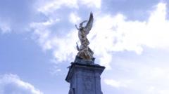 Buckingham palace hyperlapse rotating around angel statue Stock Footage