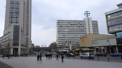 Cars and people, Zoo Palast theatre, Zoologischer Garten station, Berlin Stock Footage