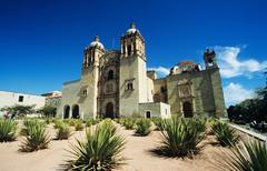 Iglesia santo domingo oaxaco - stock photo
