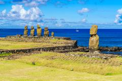 Ahu Tahai, Ahu Vai Uri and Pacific Ocean Stock Photos