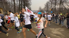 A lot of runners run the annual public marathon in Moscow. Stock Footage