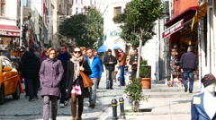 Zoom in view of a busy narrow street of Istanbul Stock Footage