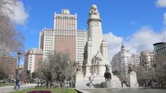 Plaza de Espana popular tourist monument, Monumento Cervantes, Madrid Stock Footage