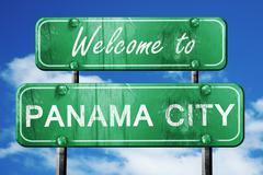 Panama city vintage green road sign with blue sky background Stock Illustration