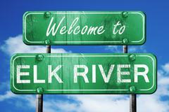 Elk river vintage green road sign with blue sky background Stock Illustration
