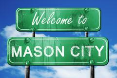 Mason city vintage green road sign with blue sky background Stock Illustration