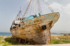 Old Derelict Wooden Fishing Boat Wreck Stock Photos