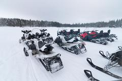 Group of snowmobiles Kuvituskuvat