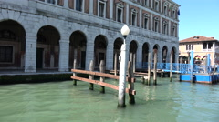 Departing Rialto bridge vaporetto stop on the Grand Canal, Venice Stock Footage
