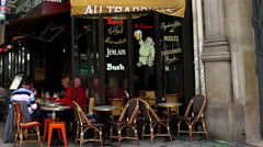 A cozy cafe in the heart of Paris. Stock Footage