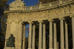 Stone monument with Ionic columns in the Jardin del Retiro in Madrid, Spain Stock Photos
