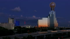 Dallas Runion Tower w/ highway traffic time-lapse from dusk to dark Stock Footage