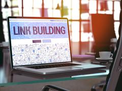 Link Building - Concept on Laptop Screen Stock Illustration