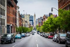 Charles Street and the Washington Monument in Mount Vernon, Baltimore, Maryla Stock Photos