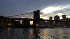 Brooklyn Bridge silhouette at night, New York Arkistovideo
