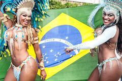 Samba dancers with brazilian flag, Rio De Janeiro, Brazil Kuvituskuvat