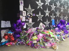 MINNEAPOLIS April 28, 2016 - Prince memorial outside of First Avenue. Stock Photos