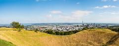 Auckland skyline from Mount Eden Stock Photos
