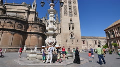Seville tilts up Giralda Tower Stock Footage