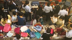 Chinese people in the purchase of discounted goods Stock Footage