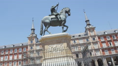 Madrid - Plaza Mayor. Landmark tourist attraction: Statue of Felipe III. Stock Footage